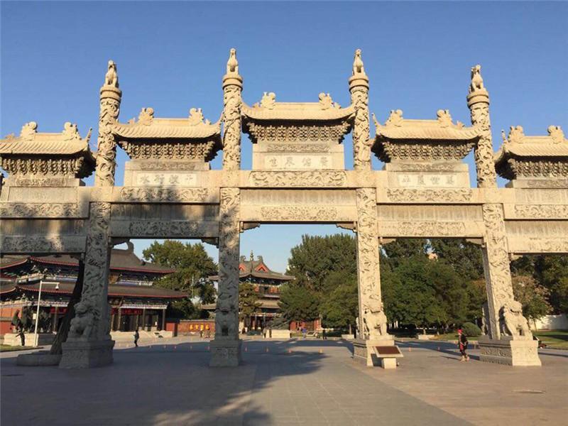 世界最大的青石牌坊之廣佑寺石牌坊