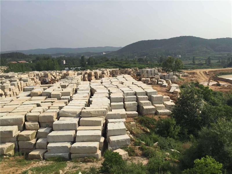 大型礦山的石牌坊原材料的優勢之處